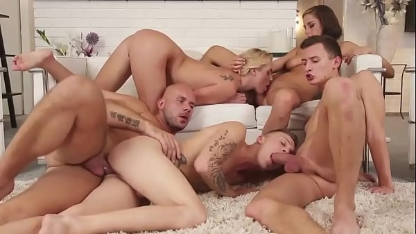 Bisex Poppen Schwarz Orgasmus